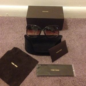 NWOT RAQUEL SUNGLASSES BY TOM FORD