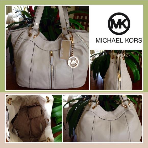 c7c060c37a34 Michael Kors Bags | Authentic Moxley Handbagbag | Poshmark