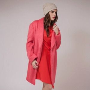 Elizabeth and James Dresses - CCO❗️Elizabeth & James Coral Silk Dress