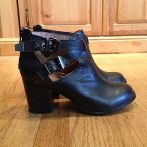 Zigi Soho Genuine Leather Cutout Ankle Boots