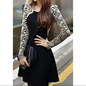 Embroidered lace sleeves dress-black BRAND NEW!🎉