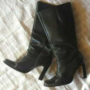 Classic black size 9 1/2 leather boots.