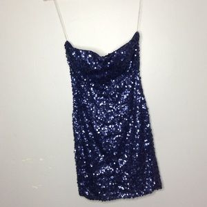 💖NEW💖 Red Clover Blue-Strapless Squeence Dress