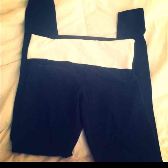 Victoria Secret Yoga Pants From Court