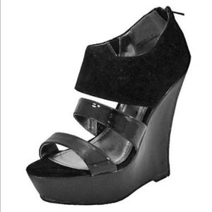 Bamboo Smooch-11 Black Wedge Sandals