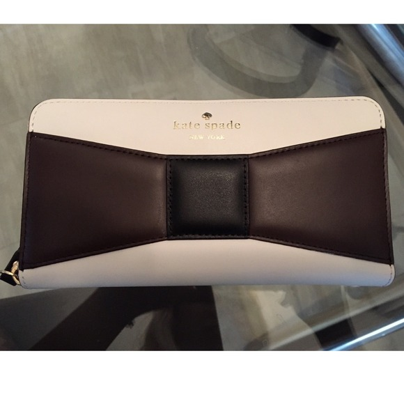 Kate Spade New York Wallet - Lacey