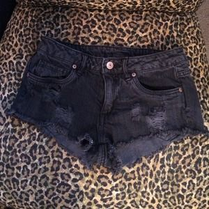 Divided Denim - H&M distressed shorts