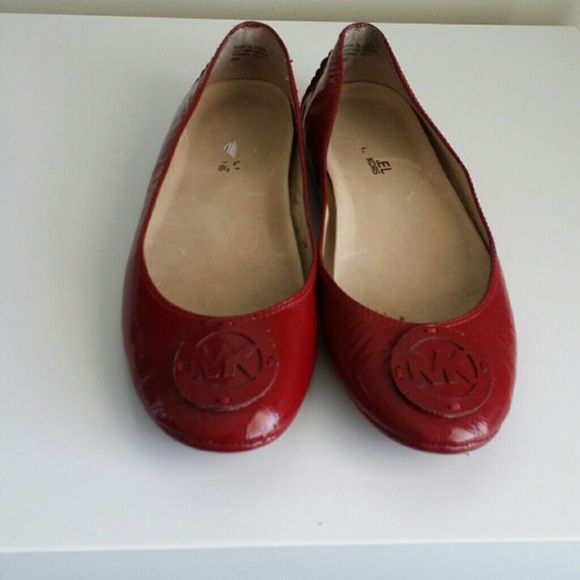 a99d227042d Michael Kors red patent leather flats. M 543ace1c3005271eaa11ef43
