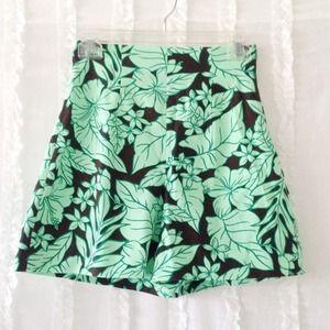 Zara Shorts - 🎉🎉HP: Sz XS Zara Tropical Print Shorts🎉🎉