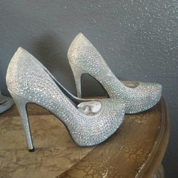 9af28d47837 Bella Luna Shoes - Crystal pumps silver