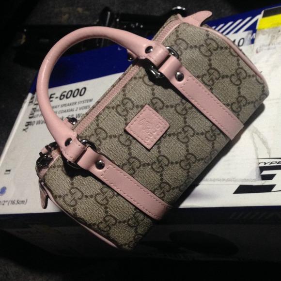 00a4ec354d5 Gucci Handbags - Little girls Gucci Bag