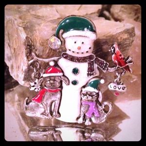 Jewelry - Holiday Snowman Brooch