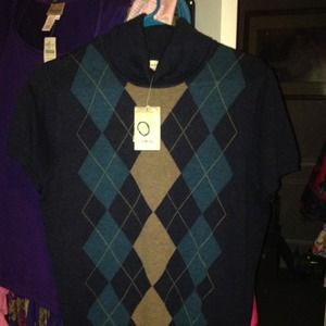 Sweaters - BEAUTIFUL NEW ARGYLE SWEATER IN SIZE LRG FRM KOHLS