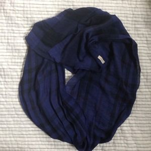 Burberry Accessories - ⚡️FINAL SALE⚡️Auth Navy Burberry  cotton scarf