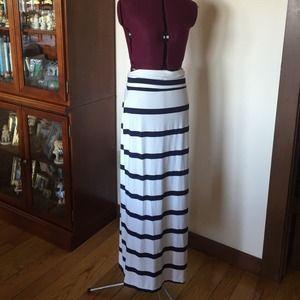 Toss Designs Blue & White Stripe Maxi Skirt