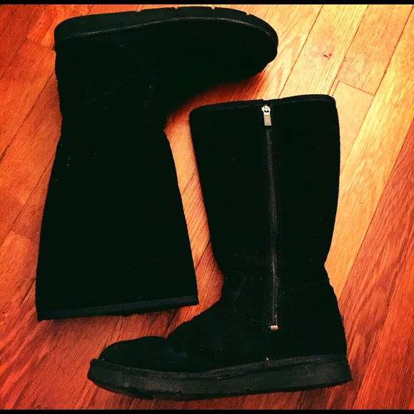Black with zipper classic tall Uggs