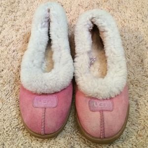 UGG Shoes - Ugg slipper shoes size 8
