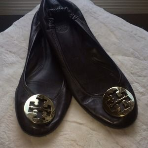 Brown leather Tory Burch Reva flats