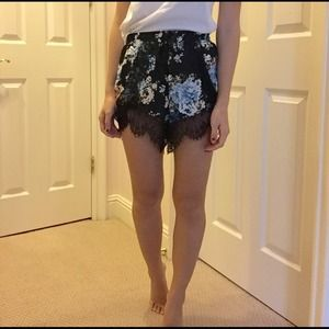 Shorts - Floral lace shorts
