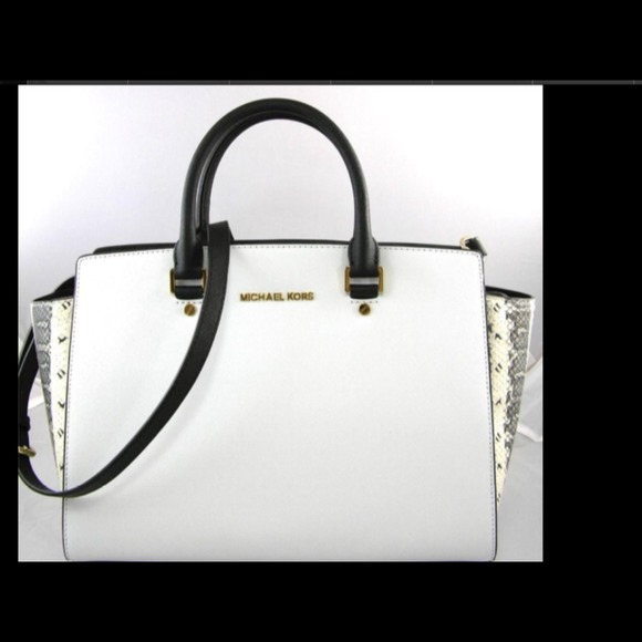 e135f6cdc2  SOLD Michael Kors Selma black   white with python