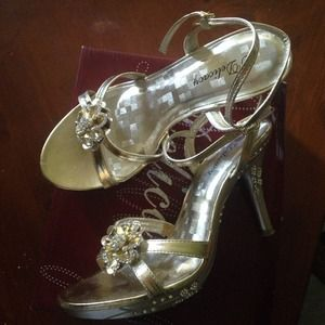 "Delicacy Gold 3"" Heel SZ 6.5 with Rhinestones"