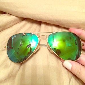 ray ban sunglasses broken  Dee\u0027s Closet on Poshmark - @deestay