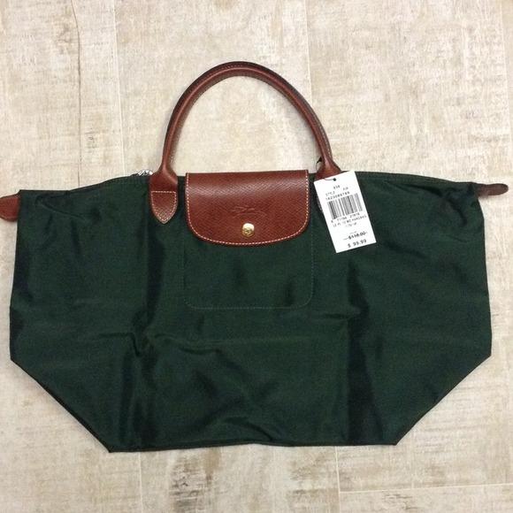 35 off longchamp handbags host pick brand new green longchamp paris from azra 39 s closet. Black Bedroom Furniture Sets. Home Design Ideas