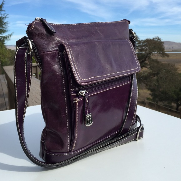 62089f8268 Giani Bernini Handbags - Purple Leather Giani Bernini Crossbody Bag