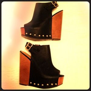 Chinese Laundry Black studded wedges