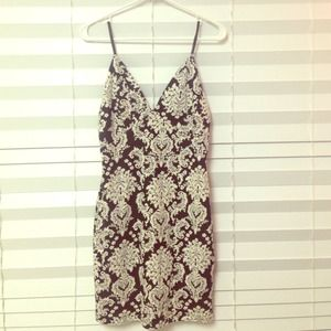 GORGEOUS floral black/white body con dress by ASTR