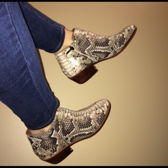 Sam Edelman Snake Printed Ankle Boots Big Discount Cheap Exclusive Cheap Big Discount New For Sale J2NRVfc1bj