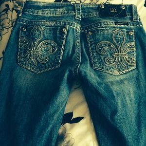 Size 27 miss me jeans to small for me
