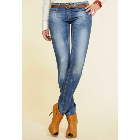 efee497c83 M 544170ff92282c055602010f. Other Jeans you may like. New with tags mango  Olivia skinny ...