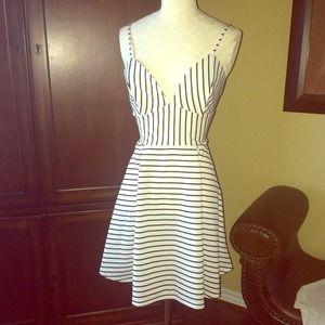 Dresses & Skirts - Pretty Striped Dress