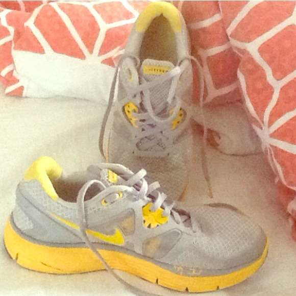 db903caf302c Gray   yellow Nike Livestrong Lunarlon shoes. M 5441f9e6e9895538c90e1532