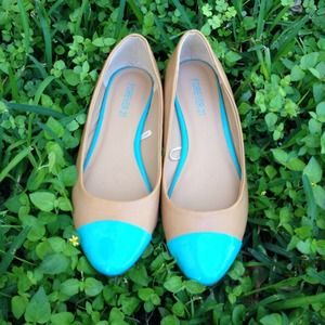 Forever 21 Shoes - Forever 21 Tan & Mint Faux Leather Flats