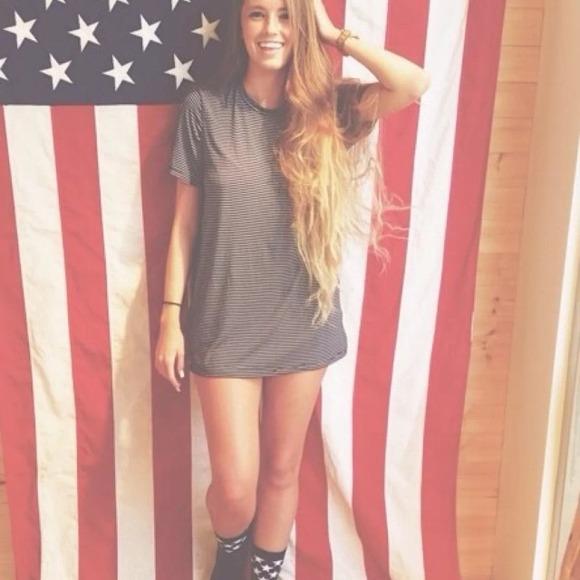 Brandy Melville - Brandy Melville Luana Navy Stripe Oversize T-Shirt ...
