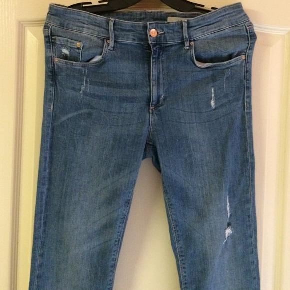 78% off H&M Denim - H&M destructed boot cut jeans. Size 31x32 size ...