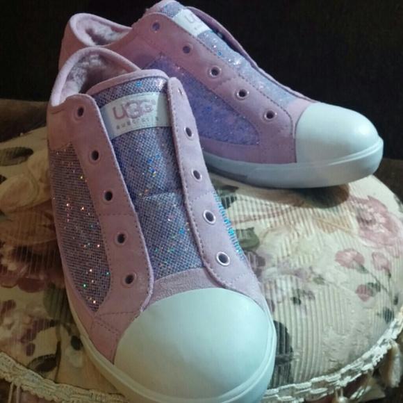 1d2debdbb03 Uggs K Laela Hologram sneakers NWT