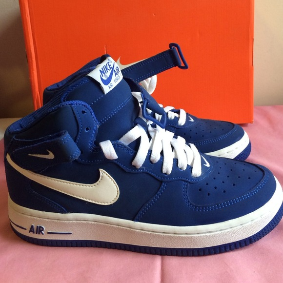 9833f2fc1e54fe Navy blue high top nike air forces. M 5442cc0fc1d1c309cf137cb6