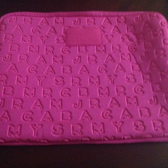 brand new e8095 d282f Marc by Marc Jacobs neoprene pink MacBook case 13