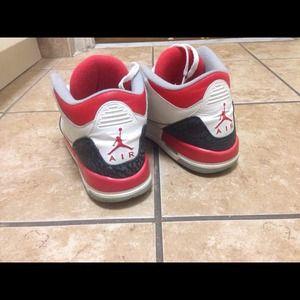 Jordan Fire Red 3s