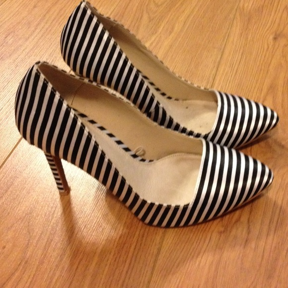 e426961d965 Forever 21 Shoes - Forever 21 black and white striped pumps 8