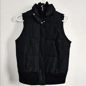 Black Warm Puffy Vest