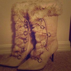 Faux fur size 10 boots