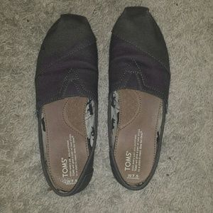 TOMS Shoes - Barely Used Toms