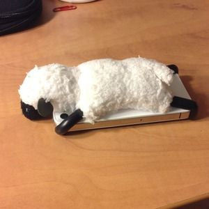 iPhone 4 sheep case