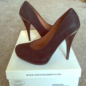 Steve Madden Shoes - 💫Steve Madden Black Nubuck Heels