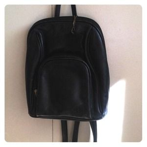 Handbags - 🎉🎊🎈Leather backpack🎈🎊🎋HOST PICK💝