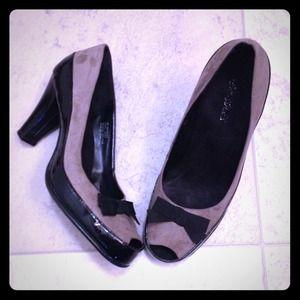 AEROSOLES Shoes - AEROSOLES cute bow pumps